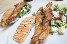 Grillet laks med fetasalat og Bacon Parmesan Twister