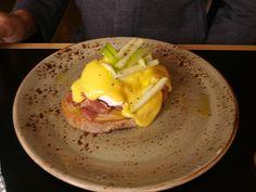Eggs benedict with braised otways ham hock, apple cider hollandaise & toast - Pillar of Salt
