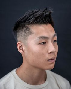Asian Men Hairstyles: 28 Popular Haircut Ideas #asianhairstyles #asianhaircuts #asianmanbun #asianundercut #asianfadehaircut #menshairstyles #menshair #menshaircuts #koreanhaircut #koreanhairstyle #eboy #eboyhaircut #kpop #kpophairstyle Asian Fade Haircut, Asian Undercut, Korean Haircut, Crop Haircut, Asian Men Hairstyle, Asian Hairstyles, Men Hairstyles, Eboy Hair, Classic Taper