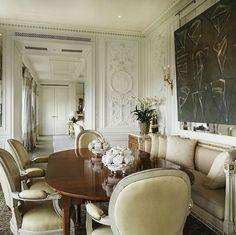 10 Luxury Dining Room Furniture Brands You Should Follow #diningroomdesign #diningroomideasv#diningroominteriordesign luxury dining room, modern dining room   See more at http://diningroomideas.eu/10-luxury-dining-room-furniture-brands-you-should-follow