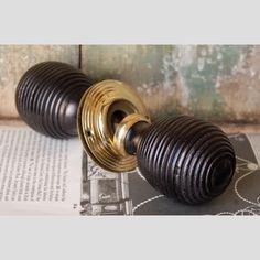 £60 A+pair+of+large+ebonised+wood+'Beehive'+door+knobs