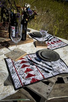 Geese in Flight Place mats Picnic Blanket, Outdoor Blanket, Foundation Paper Piecing, Placemat Sets, Mug Rugs, Table Runners, Pot Holders, Quilt Patterns, Coasters