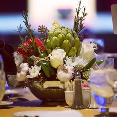 #c2mdesigns #floral #floraldesign #centerpiece #foodie #vegetables #rosemary #herbs #produce #cornonthecob #garlic #artichoke #peppers #roses #mums #colander #fundraiser #corporateevent #bcec #boston #lizpageassociates #creative #designsthatrock #likeC2MdesignsFacebook Designer: #christinemccaffery