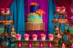 Las fiestas con temática árabe son una gran oportunidad para crear un evento realmente memorable con una decoración bien pensada. Lo mejor de las fiestas temáticas árabes es que son muy flexibles gracias a una abundancia de opciones: puedes sacarla adelante con casi cualquier presupuesto. Lo primero es encontrar tela, en una tienda de decoraciones …