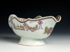 Chinese export porcelain sauce boat, arms of Saldanha e Albuquerque, c. 1750, Qianlong reign, Qing dynasty