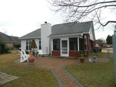http://www2.trulia.com/property/3174229797-2004-Hickory-Tree-Ln-Tallahassee-FL-32303#photo-26