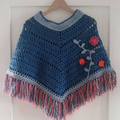 This Pin was discovered by Gul Crochet Baby Sweater Pattern, Crochet Baby Poncho, Baby Sweater Patterns, Diy Crochet And Knitting, Crochet Poncho Patterns, Crochet Baby Clothes, Crochet For Kids, Crochet Shawl, Toddler Poncho
