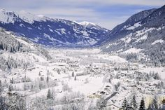 Bad Gastein is an spa and ski town in Austria, displaying a wonderful Belle-Epoque architecture. Budapest, Destinations, Spa, Les Cascades, Mount Everest, Skiing, Essentials, Mountains, Architecture