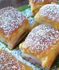 Monte Cristo Brunch Sandwiches | This is like a sandwich casserole! It's super easy to make!
