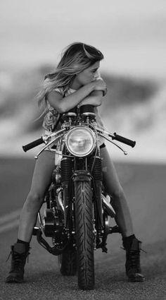 Bicycle girl photography - girls and bikes - .- Fahrrad Mädchen Fotografie – Girls and bikes – Bicycle girl photography – girls and bikes – - Motorbike Girl, Bobber Motorcycle, Motorcycle Design, Women Motorcycle, Bmw E30 Coupe, Lady Biker, Biker Girl, Biker Photoshoot, Motos Retro