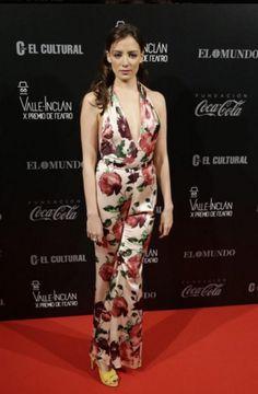 #MaríaHervás lució así de espectacular con un #jumpsuit de Pepe Botella en la gala de los #premios Valle-Inclan de Teatro 2016.