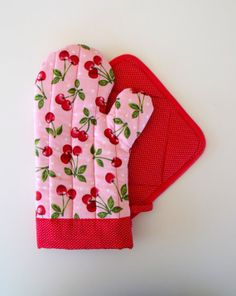 Pink Cherry and Red Pin Dot Oven Mitt Pot by SEAMSTOSEWMARSHA, $28.00