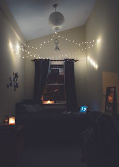 Snapchat: Life1nmot1on   Small bedroom   Interior.