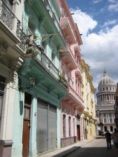 Calle Barcelona La Habana  Cuba / Donde me han timado mientras escuchaba a Guns and roses!