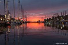 Lumière du soir au Havre sur la #TJV2013 par @JeanMarieLiot #IMOCA #Class40 #MOD70 #Multi50 | www.scanvoile.com
