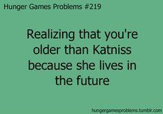 The Hunger Games Igrzyska Śmierci Katniss The Hunger Games, Hunger Games Problems, Hunger Games Memes, Hunger Games Fandom, Hunger Games Catching Fire, Hunger Games Trilogy, Nerd Problems, Katniss Everdeen, I Volunteer As Tribute
