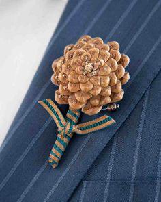 Blumenschmuck für den Bräutigam - aus Tannenzapfen gebastelt