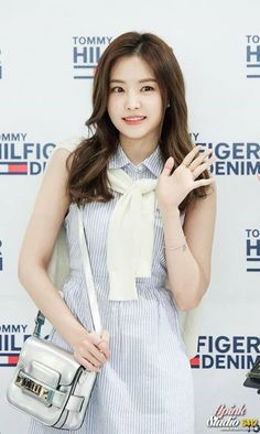 Naeun South Korean Girls, Korean Girl Groups, Son Na Eun, Apink Naeun, Girl Korea, Sistar, High End Fashion, Girl Day, Snsd
