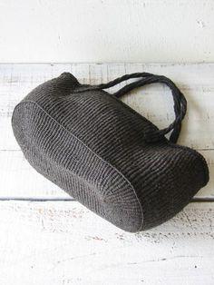 shape texture this bag has it all Crochet Bowl, Gypsy Bag, Tote Bags Handmade, Art Bag, Macrame Bag, Boho Bags, Basket Bag, Crochet Handbags, Knitted Bags