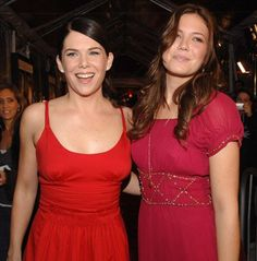 Two of my FAVORITE people! - Lauren Graham and Mandy Moore at event of Because I Said So (2007)