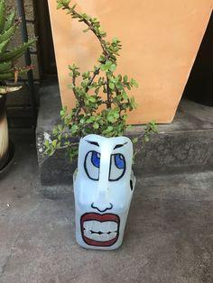 Plastic Milk Bottles, Plastic Bottle Planter, Plastic Bottle Crafts, Diy Bottle, Bottles And Jars, Fall Crafts, Diy And Crafts, Painted Flower Pots, Funky Art
