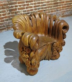 Elegant Wooden Chair Hand-Carved from a Single Tree Stump — My Modern Met Log Furniture, Funky Furniture, Unique Furniture, Art Sculpture En Bois, Wood Carving Art, Wood Carvings, Wood Creations, Wooden Art, Wood Crafts