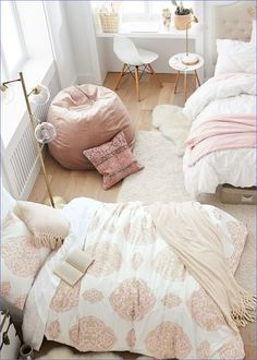 The best dorm space decor can turn your college living space into one that feels more like home-- and these dorm space decorating ideas don't ... #pla... Shared Bedrooms, Teen Girl Bedrooms, Pottery Barn Bedrooms, Pottery Barn Teen Bedding, Rustic Bedrooms, Pottery Barn Kids, Teen Room Decor, Bedroom Decor, Dorm Bedding
