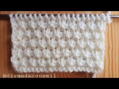 Como tejer punto burbujillas a dos agujas paso a paso How to knit waffle stitch video tutorial - historychanelНет описания фото. Lace Knitting Patterns, Loom Knitting, Knitting Stitches, Knitting Designs, Baby Knitting, Waffle Stitch, Drops Design, Knitted Blankets, Crochet