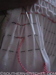 """Best 12 386 Me gusta, 39 comentarios – Guiguirika (@guiguirika_) en Instagram: """"Quem resiste a um vestidinho de poá? Encomende o seu pelo WhatsApp – SkillOfKing.Com Diy Tutorial, Diy Clothes, Smocking, Stitch, Sewing, Terra, Pattern, Fabric, Blessing"""
