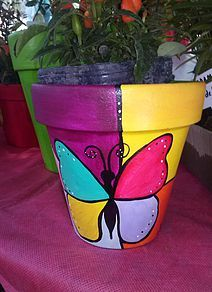 Flower Pot Art, Flower Pot Design, Flower Pot Crafts, Clay Pot Crafts, Painted Plant Pots, Painted Flower Pots, Painted Tin Cans, Decorated Flower Pots, Terracotta Flower Pots