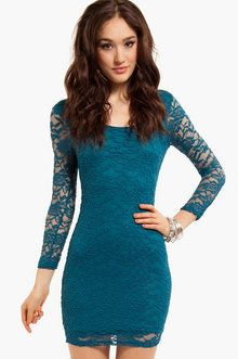 teal lace dress. I NEED this!!!:)