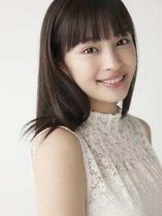 """広瀬すず、はじめての告白。【5/5】「わたし…もっと、""""力""""が欲しいです!」   映画【MOVIE】〜週末、何観に行く? Beautiful Japanese Girl, Cute Japanese, Japanese Beauty, Beautiful Asian Girls, Asian Beauty, Kawaii Faces, Girl Artist, Girls Gallery, Japan Girl"""