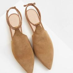 Premium – leather slingback shoes – Women – Emilia – Join in the world of pin Slingback Shoes, Shoes Sandals, Dress Shoes, Slingbacks, Pretty Shoes, Beautiful Shoes, Sock Shoes, Shoe Boots, Minimalist Shoes
