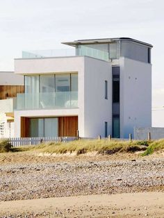Third story    Modern-beach-house-in-East-Sussex-(2)
