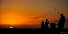 Wunderschöner #Sonnenuntergang am #Strand von #Réunion © Carina Dieringer