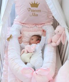Pin by Kind Lessons on Kinderbekleidung Baby Bedroom, Baby Room Decor, My Baby Girl, Baby Girl Newborn, Silikon Baby, Disney Babys, Disney Girls, Disney Baby Clothes, Baby Room Design