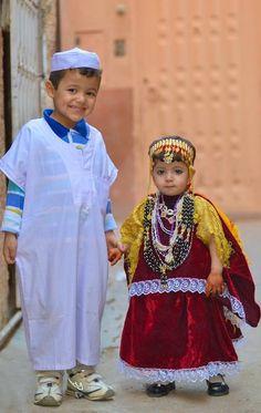 les enfants de Ghardaïa en tenue locale - Algérie-