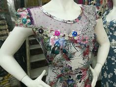 Profile Picture For Girls, Mens Clothing Styles, I Dress, Floral Tops, Dj, Fashion Outfits, Sleeves, Clothes, Neck Design