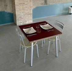 Tavolo allungabile molto versatile, adatto sia per la casa che per l'ufficio.  www.rocchetti.com