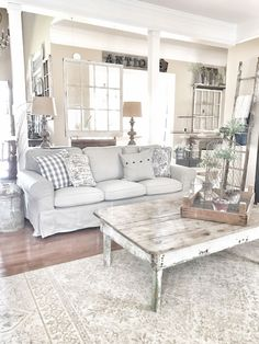Gorgeous 80 Rustic Farmhouse Living Room Decor Ideas https://bellezaroom.com/2017/10/28/80-rustic-farmhouse-living-room-decor-ideas/