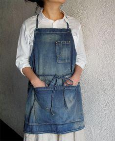 fog linen work dresses and bags . Artisanats Denim, Denim Shirt, Jean Apron, Sewing Aprons, Denim Aprons, Work Aprons, Leather Apron, Denim Ideas, Denim Crafts