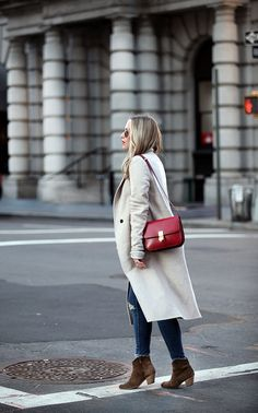 Neutrals with a Red Pop Celine Box, Topshop Maternity, Brooklyn Blonde, Fashion 2017, Style Fashion, Parisian Style, Everyday Outfits, Passion For Fashion, Autumn Winter Fashion