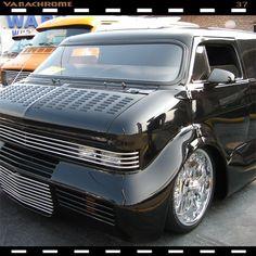 Heavy Metal one of the most radical vans ever built way back in the late exist. Customised Vans, Custom Vans, Bedford Van, Astro Van, Old School Vans, Vanz, Day Van, Panel Truck, Cool Vans
