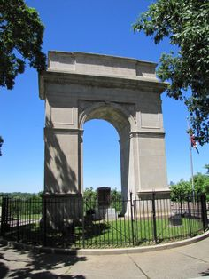 Rosedale Memorial Arch  -  		Rosedale neighborhood, Kansas City KS