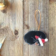 Dachshund christmas decoration- Beaglen Thread