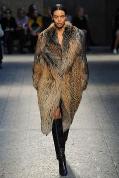 Sportmax Fall 2014 Ready-to-Wear Fashion Show - Grace Mahary