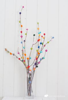 DIY pompom tree I could do this with all the left over little pom poms from family reunion. Kids Crafts, Diy And Crafts, Craft Projects, Arts And Crafts, Easter Crafts, Kids Diy, Preschool Crafts, Project Ideas, Decoration Branches
