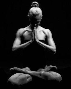 Download FREE Meditation E&Books and more VISIT NOW: http://ift.tt/2aQnUZU #instatravel #vacation #travelgram #holiday #explore #traveling #world #view #picoftheday #follow #wanderlust #happyheart #bethelinght #love #yogi #yogalife #yogaeverydamnday #yogaeverywhere #yogalove #artist #mandala #photography #color #meditationtime #innerpeace #vipassana #mindbody #guidedmeditation #mountainyogi #mountainyoga
