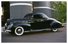 '39 Lincoln Zephyr Coupe - hard to believe this is stock.