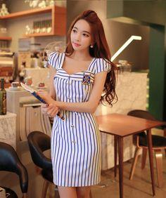 Vestido Blanco manga corta con rayas azules